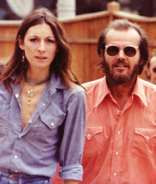 Anjelica Huston+Jack Nicholson, 1975