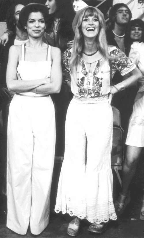 Bianca Jagger+Krissy Wood, 1975