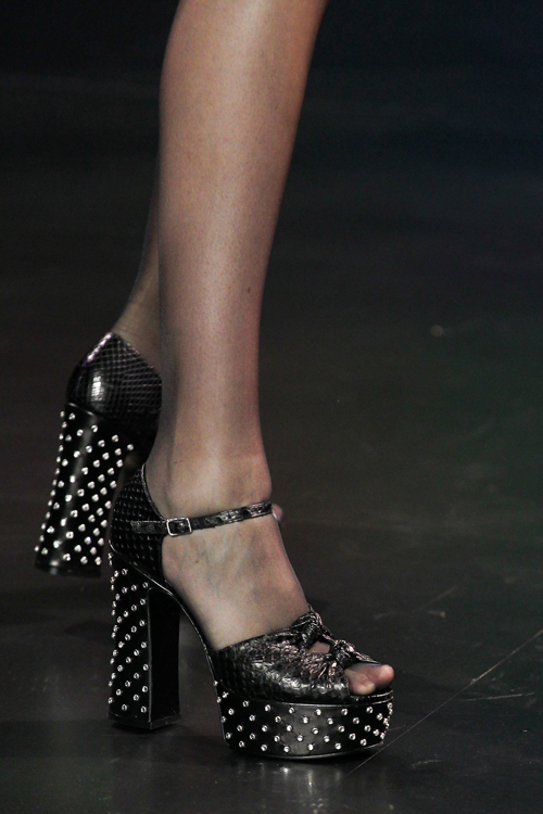 Saint Laurent Spring 2015 Detail