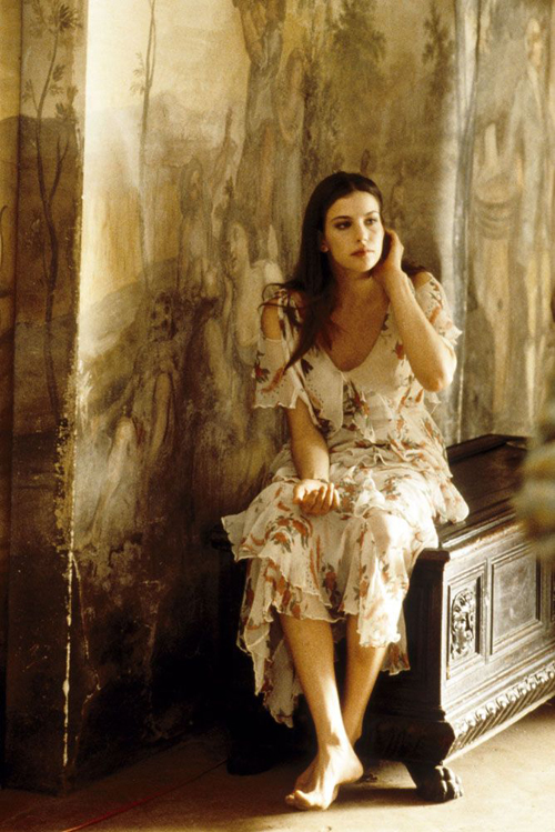 Liv Tyler in Stealing beauty