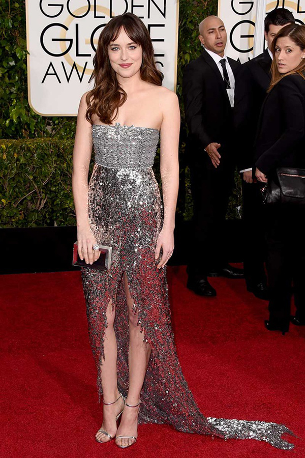 Dakota Johnson de Chanel Golden Globes