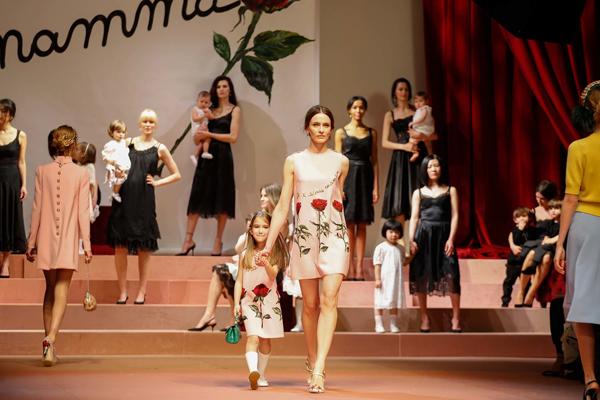 Dolce&Gabbana Fall 2015 Fashion Show