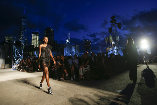 Givenchy Spring 2016 Fashion Show